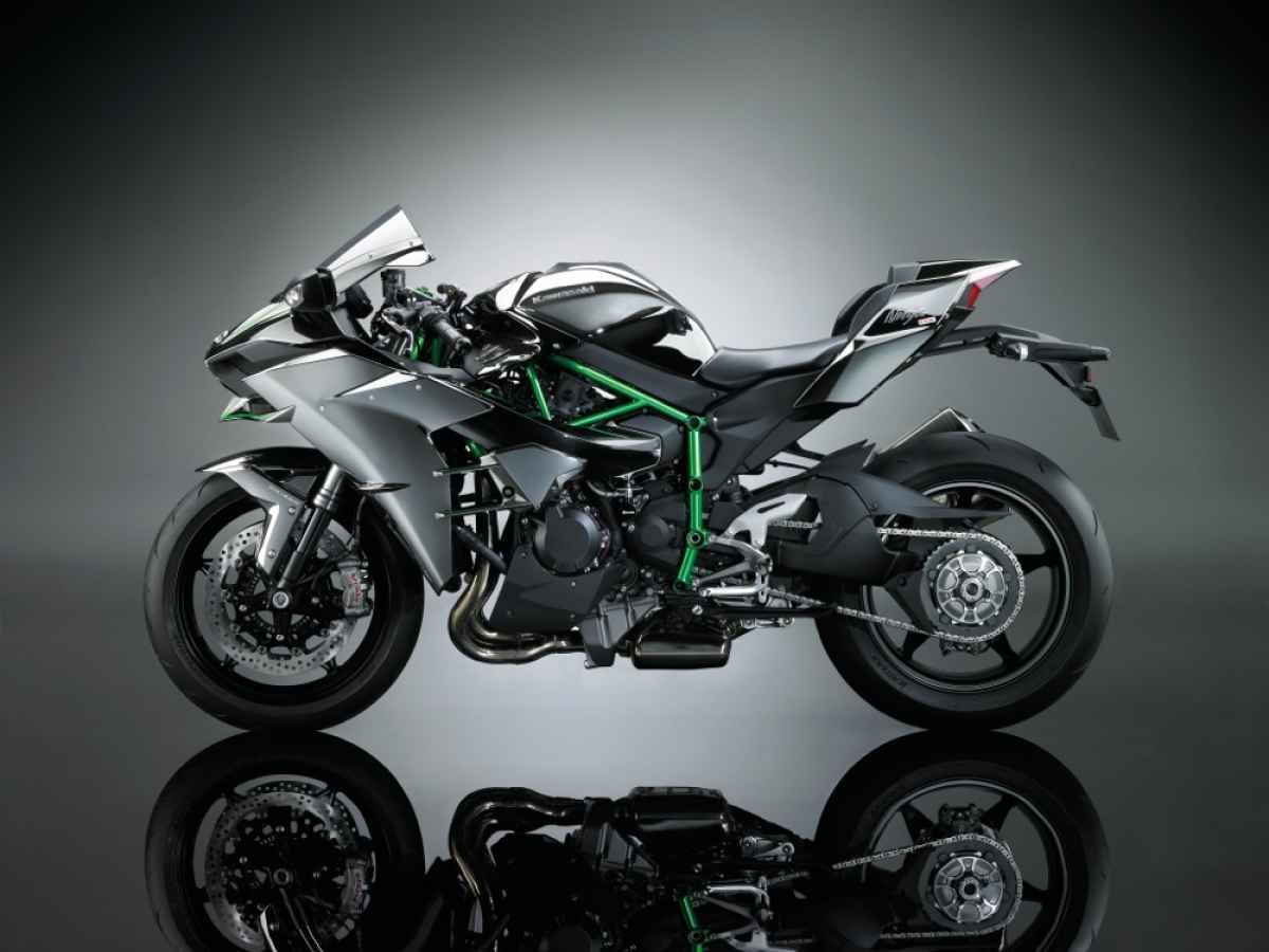 Kawasaki H2 left