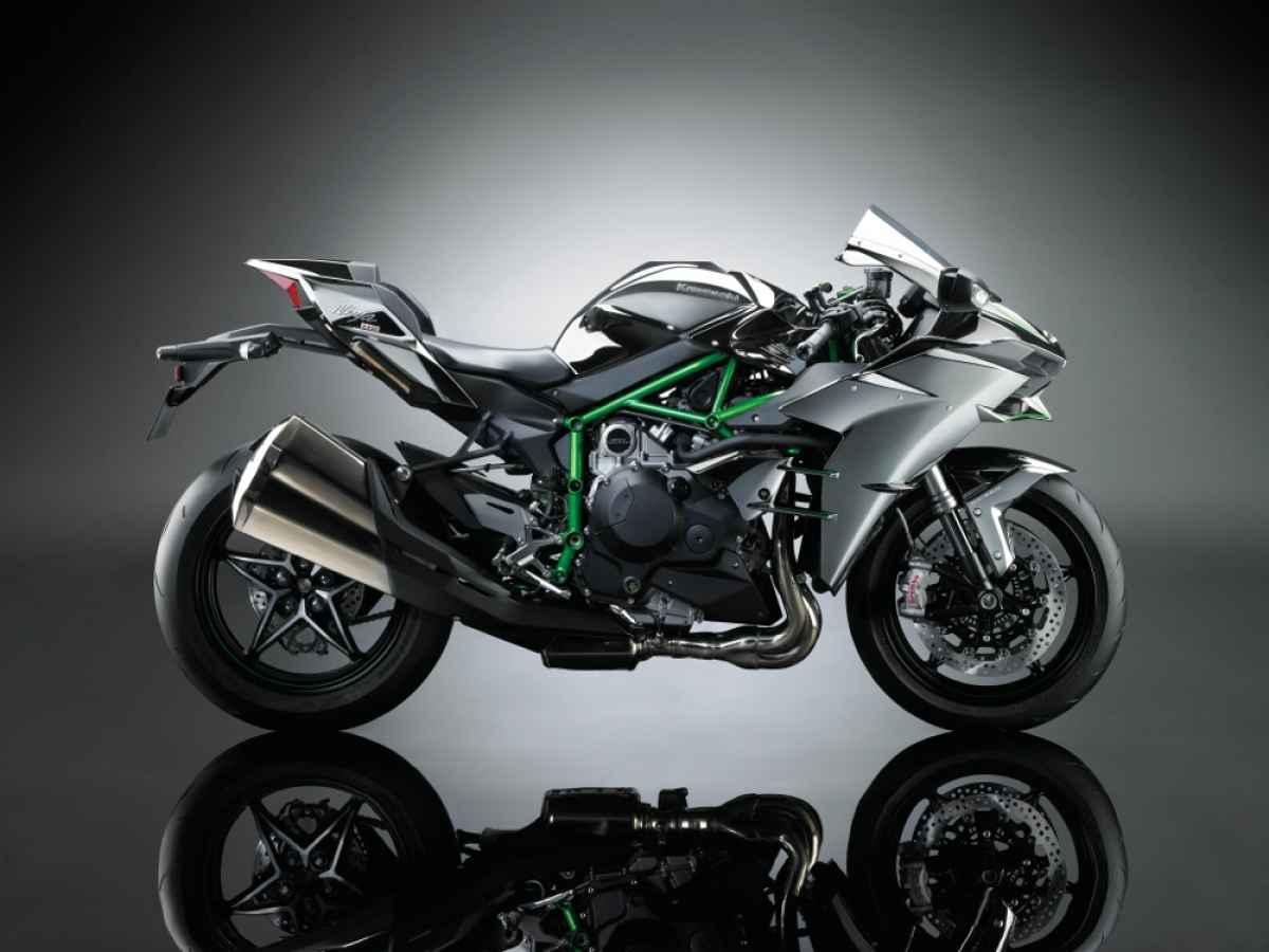 Kawasaki H2 right side