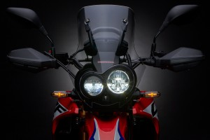 The asymmetrical headlights kind of give the bike a wonky personality up front but the LED headlights and turn signals offer bright illumination with low power consumption.